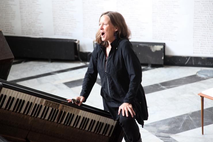 Kristin Nordeval singing