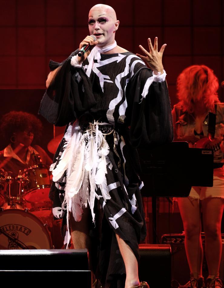 taylor mac performing